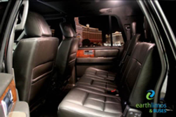 Earth Limos of LAS VEGAS Lincoln Navigatior Sedan Interior Shot 3